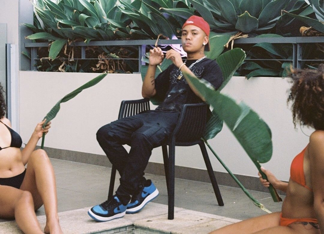 """ERIK SANDERS - """"LONELY CLUB"""" [Music Video] 